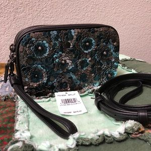 💙Coach 1941 Leather Sequins Crossbody Clutch 💙
